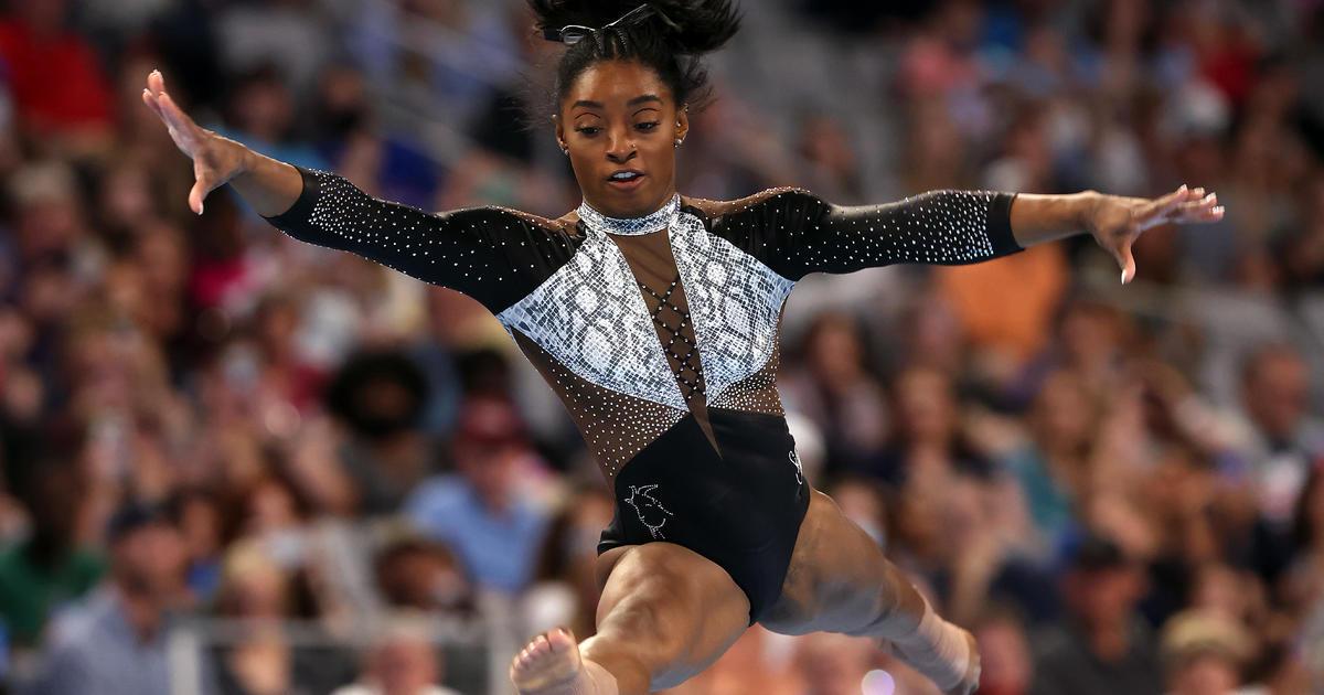 Artistic Gymnastics rhinestone dressing of Simone Biles 11.jpg